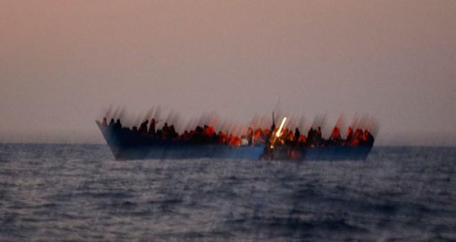 Akdeniz'de tekne faciası: 200 kişi boğuldu