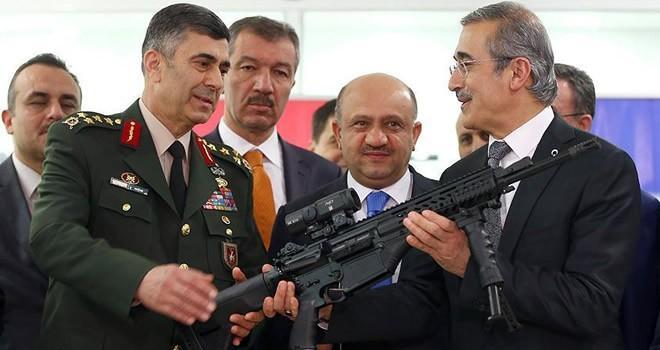 Milli Savunma Bakanı Fikri Işık, MPT-76 ile ilk atışı yaptı