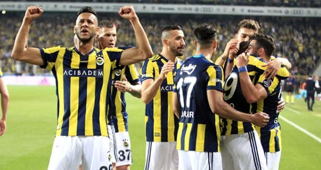Fenerbahçe, liderin peşini bırakmıyor