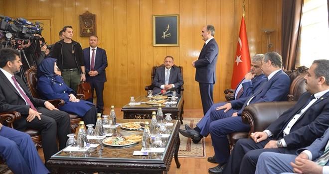 Bakan Özhaseki: Bu konuları konuşacağız!