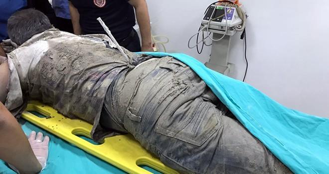 Kahramanmaraş'ta inşaattan düşen işçinin sırtına demir saplandı