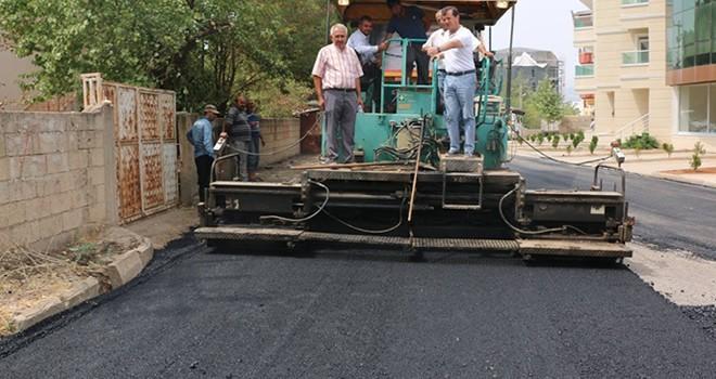 Pazarcık'ta sıcak asfalt çalışmaları sürüyor