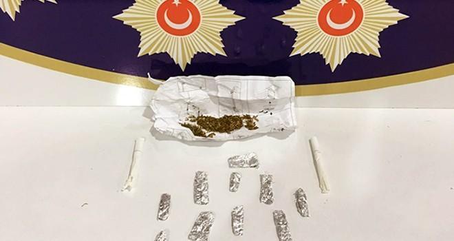 Kahramanmaraş'ta satışa hazır 16 paket bonzai ile yakalandı
