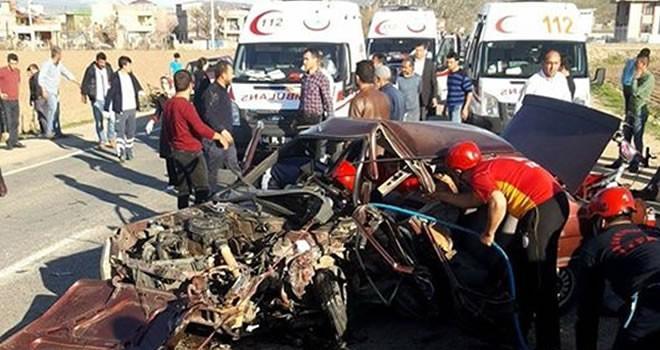 Kahramanmaraş sır baraj yolunda feci kaza: 5 ölü 4 yaralı