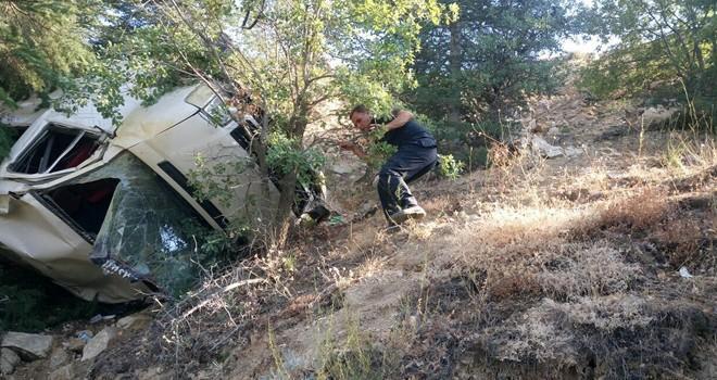 Kahramanmaraş'ta yolcu minibüsü şarampole yuvarlandı