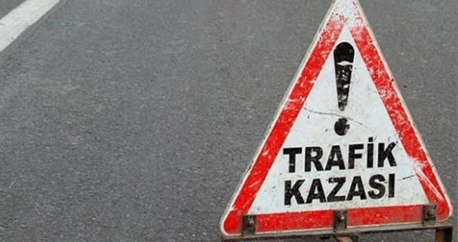 Türkoğlu'nda otomobil takla attı: 4 yaralı