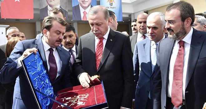 Cumhurbaşkanı Erdoğan 'Kahramanmaraş Standını' gezerek ürünleri tek tek inceledi