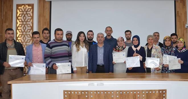 Türkoğlu'nda kursiyerlere 'girişimcilik belgesi' verildi