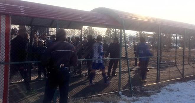 Elbistan Belediyespor ile Pazarcık Aksuspor maçında gerginlik