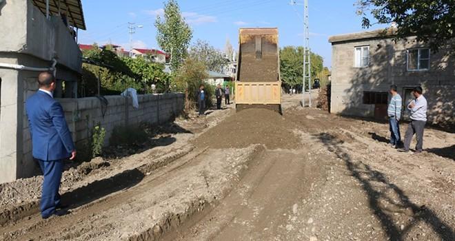 Pazarcık'ta kırsal mahallelere hizmet seferberliği devam ediyor