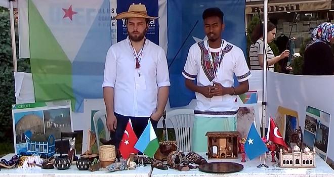 Yedi kıtadan gelen öğrenciler Kahramanmaraş'ta kültürlerini tanıtıyor