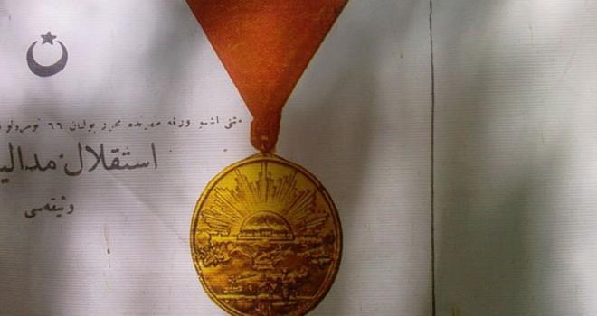 MHP'li Sönmez Adana'ya ''İstiklal Madalyası'' verilmesini istedi