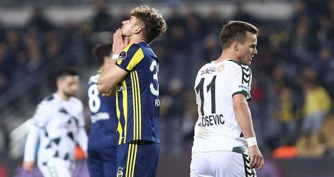 Fenerbahçe evinde 5 hafta sonra yenilgiyi tattı