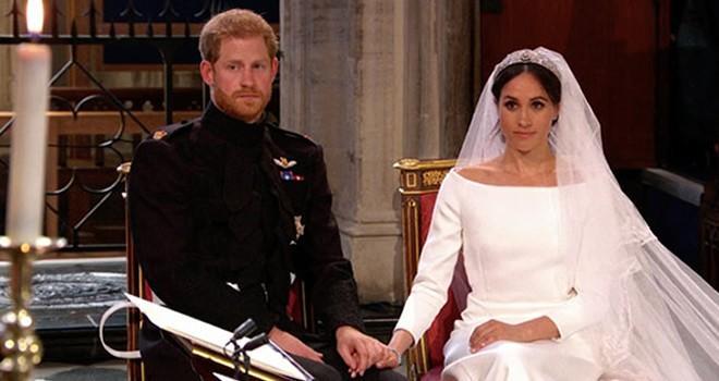 Prens Harry ile Meghan Markle dünya evine girdi!