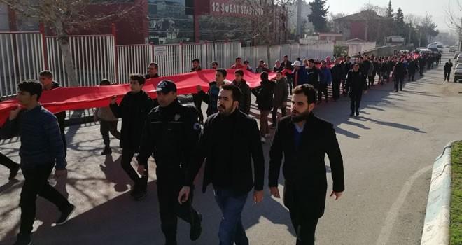 Kahramanmaraş'ta  100 metrelik dev  Türk bayrağı ile  Sarıkamış şehitleri  için yürüyüş