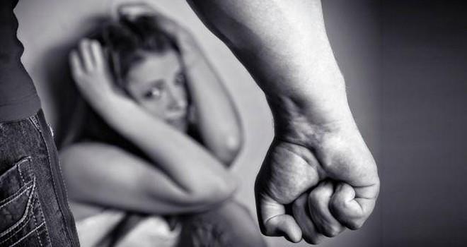 Adana'da kabus gibi olay! kcağında bebeği olan kadına kemerli işkence