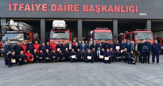 Kahramanmaraş'ta itfaiye üyeleri sertifikalarını aldılar