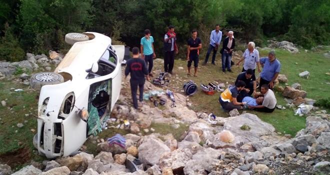Kahramanmaraş'ta kontrolden çıkan otomobil şarampole devrildi: 4 yaralı