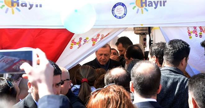 Erdoğan'dan 'Hayır' çadırına sürpriz ziyaret