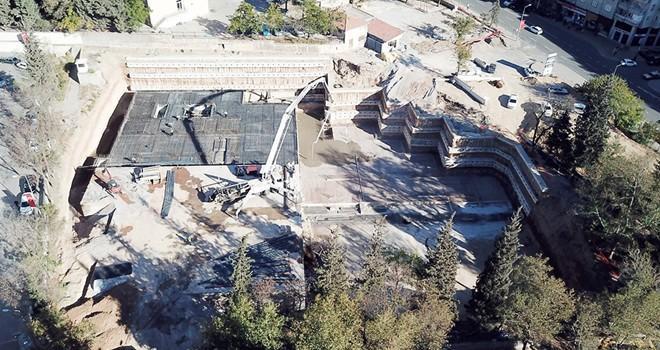 Milli İrade Meydanı otoparkı hızla yükseliyor