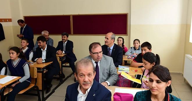 Dulkadiroğlu Belediyesinden, binlerce öğrenciye kırtasiye yardımı !