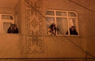 İstanbul'da korkunç olay! Ailesinin gözü önünde kafasına sıktı...