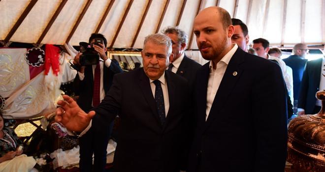 Bilal Erdoğan Onikişubat Belediyesi çadırında