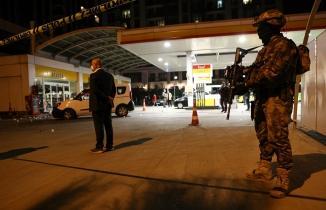 Beyoğlu'ndaki polise silahlı saldırıda saldırgan hayatını kaybetti