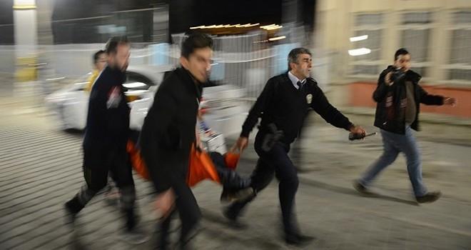 Kafede silahlı çatışma: 3 ölü 9 yaralı
