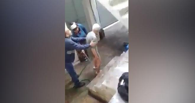 Gaziantep'te yaşlı adama buz gibi havada soğuk duş