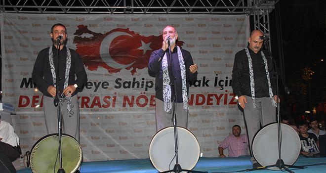 Grup Tillo Kahramanmaraş'ta demokrasi nöbetine katıldı