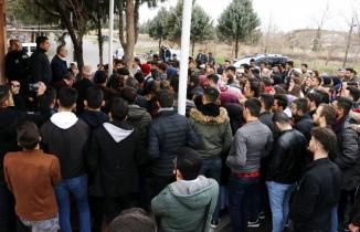 Kahramanmaraş'ta öğrenciler deprem riskli okullarını protesto etti