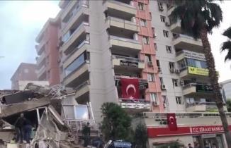 İzmir'de korkutan deprem: işte ilk görüntüler!