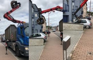 Israrla aracını oraya park edince...