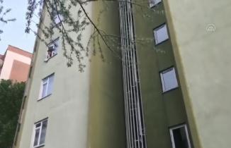 Kahramanmaraş'ta 8 yaşındaki çocuk apartmandan düştü