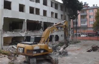 Türkoğlu Hükümet Konağı yıkılıyor