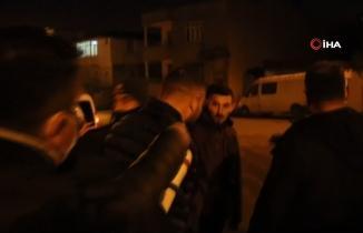 Kahramanmaraş'ta polis aracına çarpıp kaçmak isteyen 4 kişinin 'şoför bendim' tartışması