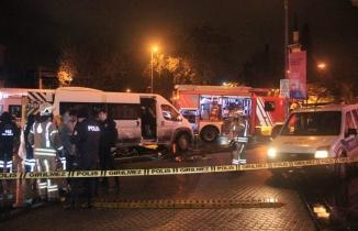 İstanbul'da feci kaza: Minibüsün altında 50 metre sürüklenen kadın öldü