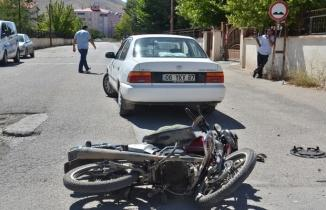 Dili boğazına kaçtı: Kaza yapan motosiklet sürücüsü müdahaleyle kurtarıldı