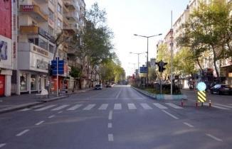 Kahramanmaraş'ta bayramın 2'nci günü cadde ve sokaklar boş kaldı
