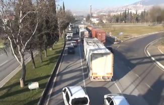 Kahramanmaraş'ta drone denetimini izlerken kırmızı ışıktan geçti