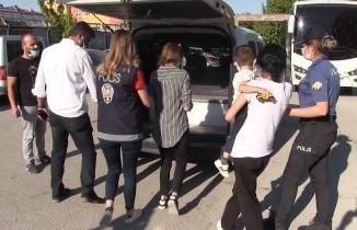 Kahramanmaraş'ta apartmana giren hırsızlar yakalandı