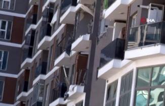 Esenyurt'ta apartmanda korkunç patlama: Yaralılar var
