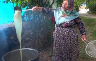 Kahramanmaraş'ta sofraların vazgeçilmez lezzeti: Dut pekmezi