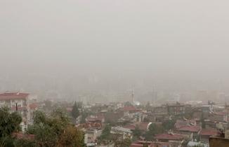 Kahramanmaraş'ı toz bulutu kapladı