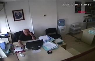 Herkes İzmir'deki bu avukatı konuşuyor! Deprem esnasında kılı bile kıpırdamadı!