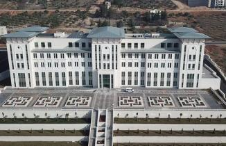 Onikişubat Belediyesi'nin 'yeni binası' hizmete açıldı