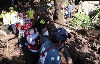 El Salvador'un başkenti San Salvado'da heyelan: 7 ölü 35 kişi kayıp!
