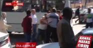 Dolmuş şoförü ile vatandaş yumruk yumruğa kavga etti!