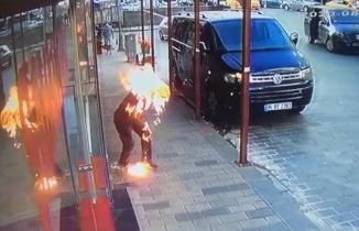 Beyoğlu'nda dehşet anları: Kardeşini tinerle yaktı